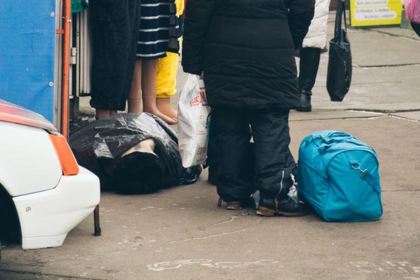 В Киеве возле станцииметро «Черниговская» мужчина умер у входа в ломбард (ФОТО)