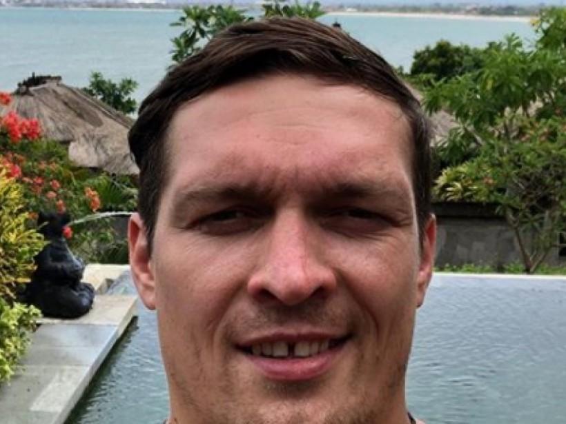 Боксера не узнать: Усик из-за новой «прически» преобразился (ФОТО)