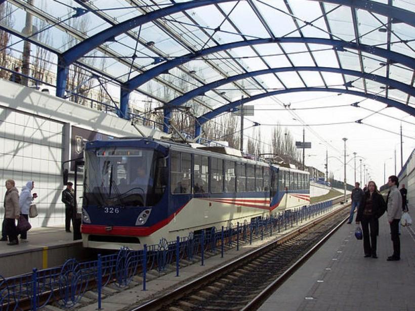 В Киеве в ночь на 28 декабря закроют движение скоростных трамваев